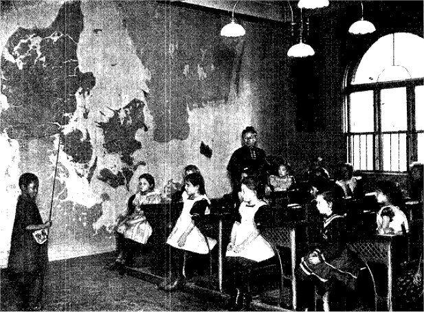 Alberte i skoleklassen på Det kgl. Vajsenhus - Illustreret Tidende 9. februar 1908